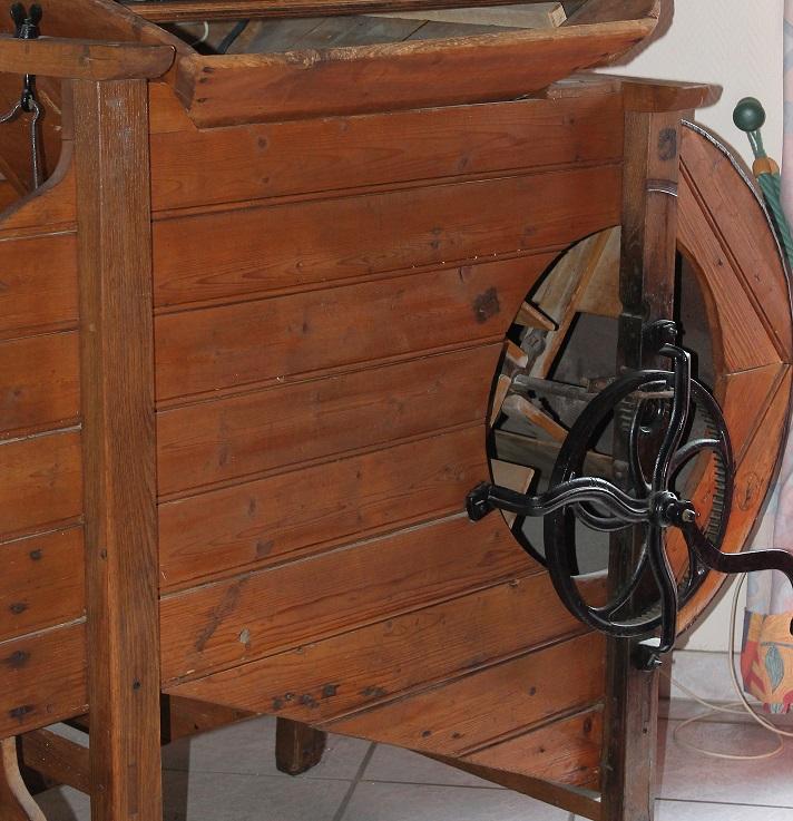 """Décoration """"champêtre"""" (ici un Van ou Moulin à Battre)"""